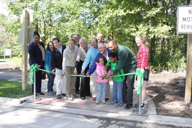 Chicago Botanic Garden's new bike trail! (2/3)